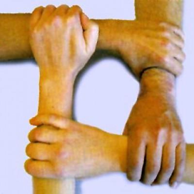 40-integridad-manos-entrelazadas